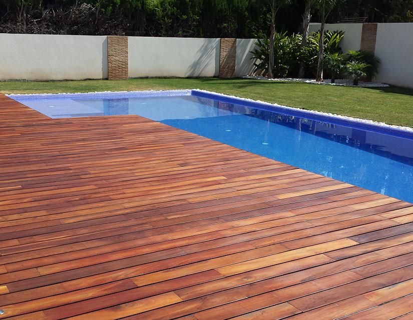 Terrazas de piscinas fotos piscinas muebles jardin - Tumbonas para piscina ...